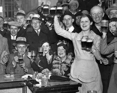 usa-prohibition-people-drinking.jpg